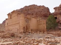 Petra. Qasr al-Bint