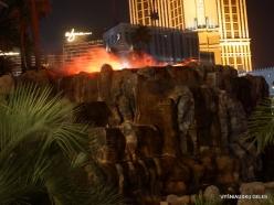 Las Vegas. Mirage Volcano Show (2)