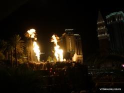 Las Vegas. Mirage Volcano Show (5)