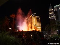 Las Vegas. Mirage Volcano Show (6)