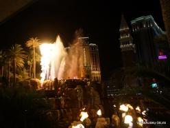 Las Vegas. Mirage Volcano Show (7)