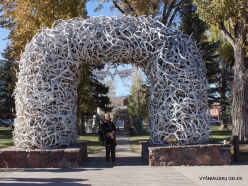 Jackson Hole town. own Square and the Elk Antler Arches